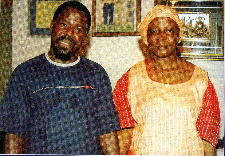 Пророк T.B. Joshua с миссис Nettie Moses Blah, женой бывшего президента Либерии