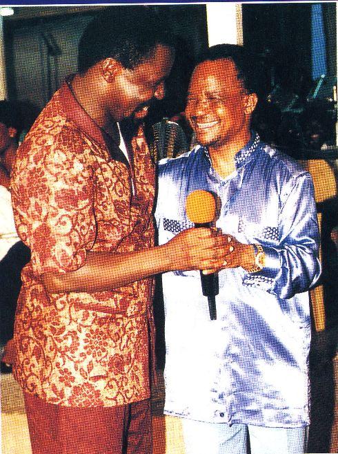 Пророк T.B. Joshua общается с Его Превосходительством Frderick Chiluba - бывшем призидентом Замбии