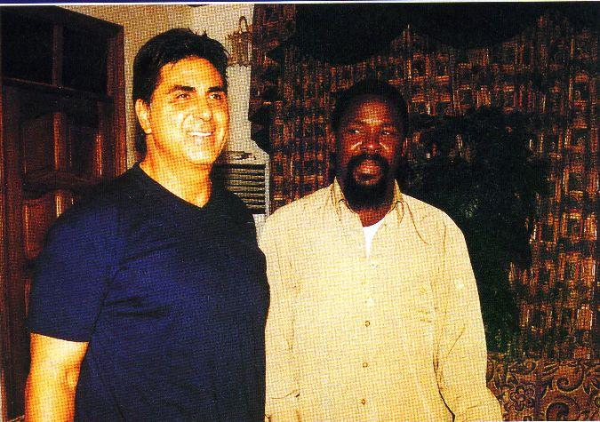 Пророк T.B. Joshua с пастором Dennis Tinerino из международного служения Dennis Tinerino, США