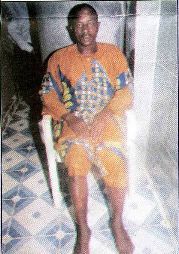 Аллилуйя! Мистер Ayodele вернулся, чтобы засвидетельствовать о том, что Иисус Христос взял его болезнь и дал здоровье (Марка 2:12)