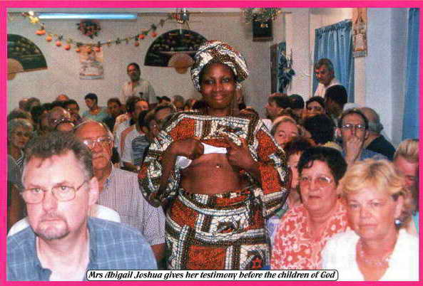 Миссис Абигаил Джошуа даёт своё свидетельство перед детьми Божьими